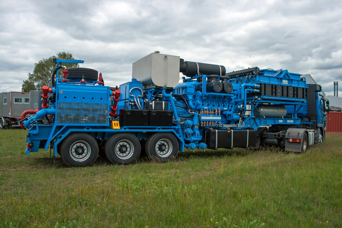 Frac Pump Trailer for sale in Europe 4